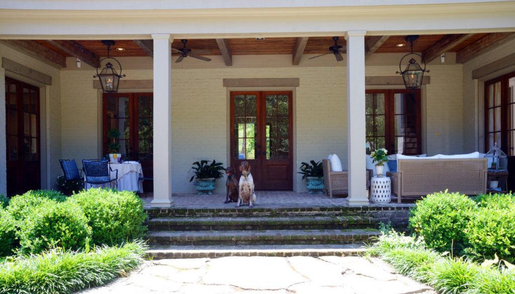 Front porch feature